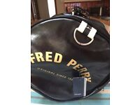 Fred Perry barrel holdall bag