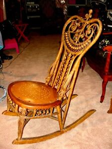 Very beautiful ANTIQUE Bentwood CHILD'S ROCKING CHAIR solid wood Cambridge Kitchener Area image 10