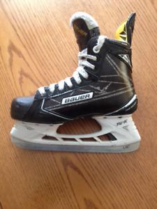 Bauer S190 Jr Hockey Skates