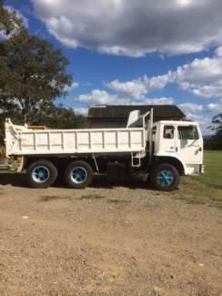 Tipper Truck International ACCO Carindale Brisbane South East Preview