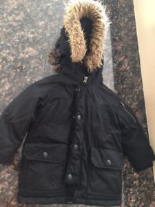 GAP Warmest Winter Parka Coat in Black (2Y)