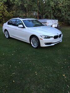 2015 BMW 3-Series Luxury Sedan