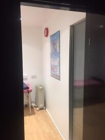 Therapy/Consulting room for rent, free parking and wifi- low start rental deal also available!