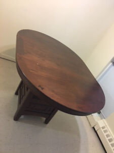 Dining table - Tobacco Brown - Peir 1