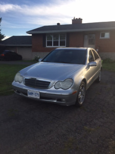 2003 Mercedes-Benz 200-Series 4Matic Sedan for Sale!