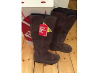 FitFlop Tall Boots Chocolate Suede size UK 5 never worn