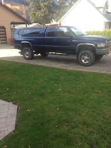2000 Dodge Power Ram 2500 SLT Pickup Truck