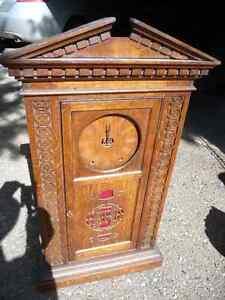 Vintage mantle clock Williams Lake Cariboo Area image 1