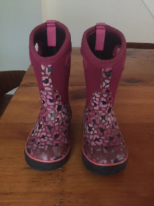 BOGS Winter boots Size 9 toddler