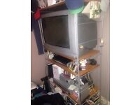 """Philips 32"""" TV in good working order (not flatscreen ... This is free !)"""