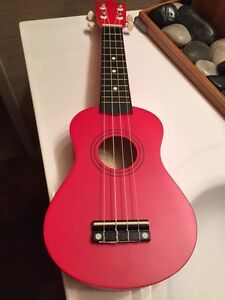 "Magical 'Little Red Uke' 21"" Wooden Soprano Ukulele w/Case NEW!"