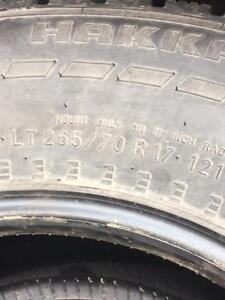 4 pneus d'hiver cloutés