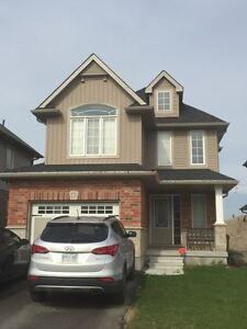 Luxurious 3 bedroom detached home, 3kms from 401 Woodstock