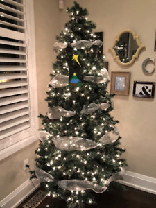 7 Ft pre-lit Christmas tree for Sale