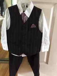 Boy's suit, size 4