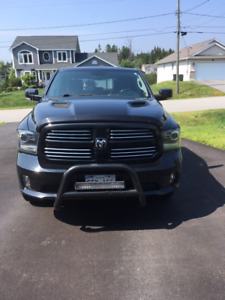 2013 Dodge Ram HEMI with extended warranty 4 new tires