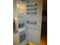 Howdens Lamona integrated 70/30 frost free fridge freezer HJA 6014