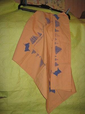 """Foulard jaune orange avec bateaux """" La Nioulargue"""" en coton"""