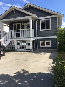 unfurnished 3 bed 2 bath by Langford Lake $2100 available now