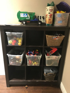 Shelving Unit with 9 squares shelves