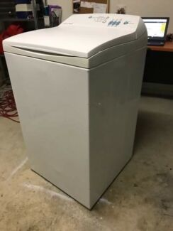 Fisher & Paykel 5.5kg Washing Machine in Excellent Condition