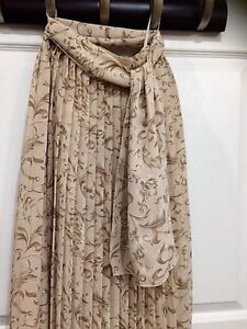 High-end Pleated Skirt with scarf - Made in Japan