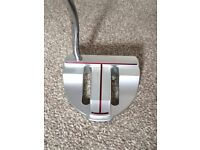 SCOTTY CAMERON putter (Titleist) for sale: Kombi shape, rarely used, with head cover. Right Handed.