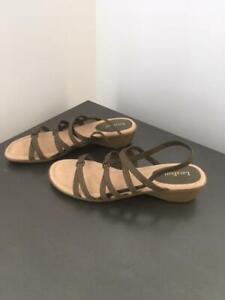 Superbe sandale Kaki, grandeur 10 (Neuve)