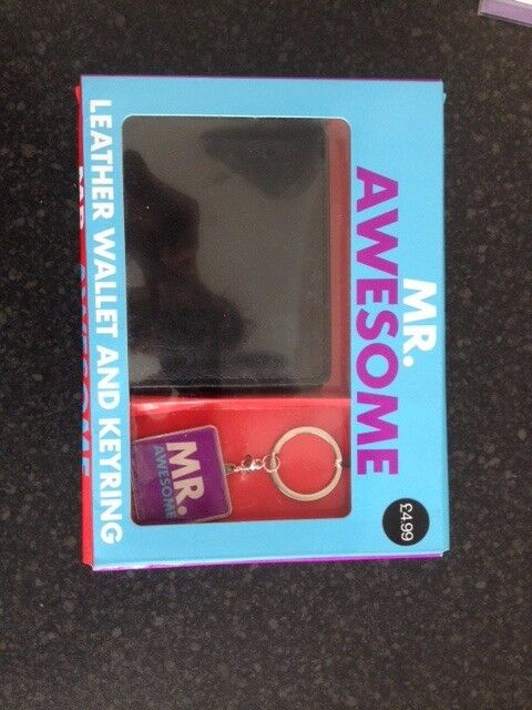 BRAND NEW IN BOX LEATHER WALLET WITH 'MR AWESOME KEY RING'