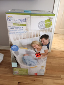 BRAND NEW BASSINET - HALO BASSINEST