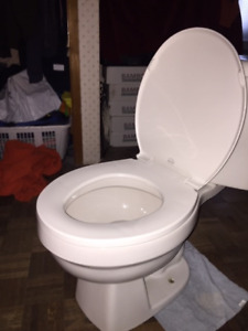 Like new complete toilet