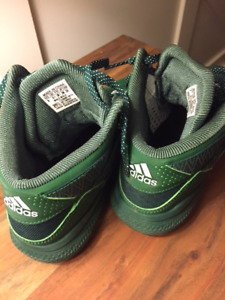 Size 6 Adidas DRose Basketball sneakers