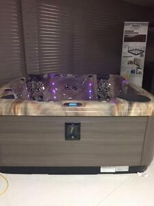 Maax Spas 481 Hot Tub - Spa Spot - Alberta's Favourite Hot Tub Store!