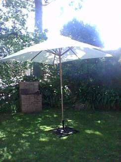garden parasole umbrella with base