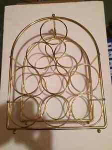 Brass wine rack: 9 bottles, excellent condition! West Island Greater Montréal image 1