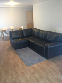3 Bedroom Apartments Available - City Centre - All bills included*