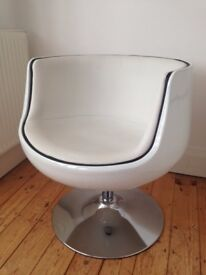 High Gloss White Swivel Chair