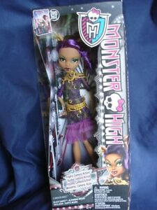 Monster High CLAWDEEN WOLF DOLL Frights Camera Action BNIB