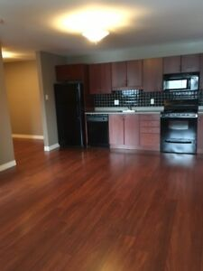 12 Royal Parkway #6 - 2 BR Condo by UNB, H&L, W/D, Parking™
