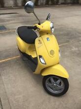 Vespa LX50 in wasp yellow Baulkham Hills The Hills District Preview