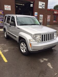 2012 JEEP LIBERTY SPORT TRAIL RATED ONLY 84K HARD TO FIND London Ontario image 3