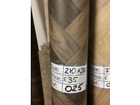 Parquet Wood Effect Vinyl Flooring (2.10 x 2.80m) for £30 - REF: 025