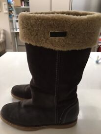 Genuine Tommy Hilfiger fleece lined boots. Size 40