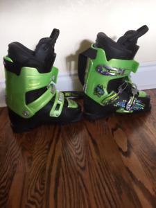 Kids Ski Boots Size 285 MM