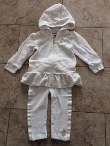 Juicy Couture Baby Girl 2 Piece Velour Set, size 12-18 monts
