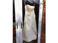 Ivory wedding dress in excellent condition