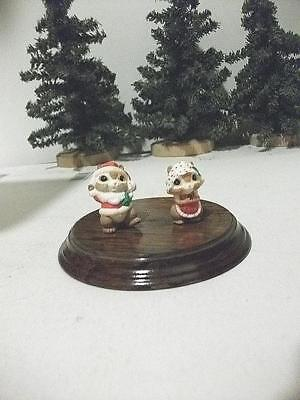 1985 CHRISTMAS HALLMARK MERRY MINIATURE MR & MRS SANTA CLAUS CHIPMUNKS NS
