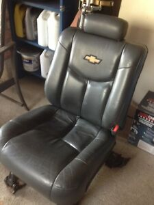 Rear Leather Seats Chev SUV/Pickup  60/40