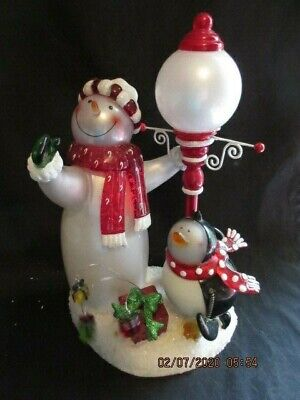 """Vtg 2006 J C Penny Lighted Acrylic Snowman & Penguin Lamp, 11"""" Tall, Excellent!!"""