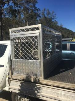 Aluminum dog box cage hunting